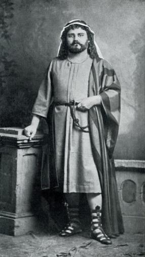 Edmond Vergnet (Jean) lors de la création à Bruxelles.jpg